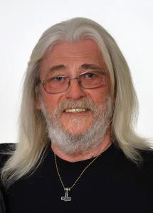 Herr Roland Holz